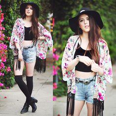 Minkpink Slasher Short, Alythea Floral Kimono - SUNSET + SPRING - KayKay Blaisdell