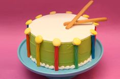 If your creation is for a budding musician, this one could set the theme for your party! (get out the pots, pans and wooden spoons, and let the kids have a merry ol' time! Easy Kids Birthday Cakes, 1st Birthday Cakes, Birthday Stuff, Birthday Ideas, Beach Ball Cake, Drum Cake, Music Cakes, Different Cakes, Cakes For Boys
