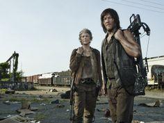 Walking-Dead-Season-5-Melissa-McBride-Norman-Reedus-Carol-Daryl-300x225.jpg (300×225)