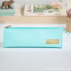 Estuche con cremallera de color azul #blue #stationery #pencilcase