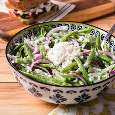 So creamy. So full of protein. So delicious! This green bean salad with Muuna cottage cheese is a winner for any end-of-summer BBQs!