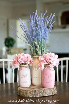 New wedding table diy centerpieces mason jars Ideas Pot Mason Diy, Mason Jar Crafts, Pots Mason, Mason Jar Planter, Chalk Paint Mason Jars, Painted Mason Jars, Diy Décoration, Diy Crafts, Sewing Crafts