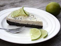 (zdroj: Tortyodmamy.sme.sk / Kamila) Pavlova, Raw Vegan, Cheesecake, Healthy Recipes, Healthy Food, Low Carb, Ethnic Recipes, Poppy, Cakes