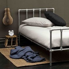 Plumbing Pipe Bed Frame Designs For Industrial Bedroom Childrens Twin Beds, Pipe Bed, Bed Frame Design, Diy Pipe, Industrial Bedroom, Industrial Pipe, Pipe Furniture, Kid Beds, Bunk Beds