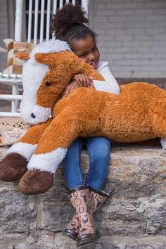 With this stuffed animal, they can ride off right into the sunset and into bedtime.