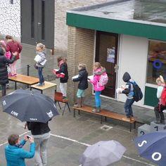 Grote uitverkoop oude basisschool Pr. Beatrixschool in Bodegraven  Grote verkoop op de oude locatie van van Pr. Beatrixschool Dronenplein 7 Bodegraven. Stoelen tafels wandplaten kasten enz. Vrijwel alles voor 5 euro of minder. De deuren gaan op zaterdag 31 oktober om 8.30 uur open en zullen sluiten om 11.30 uur. Graag contant betalen. En indien mogelijk direct meenemen of ophalen in de week erna. #rebonieuws #bodegraven #reeuwijk