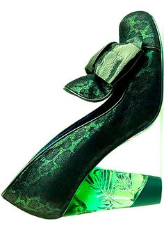 color>green Pretty Shoes, Beautiful Shoes, Cute Shoes, Me Too Shoes, Funky Shoes, Crazy Shoes, Emerald Green Shoes, Emerald City, Mode Glamour