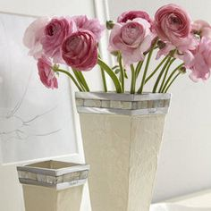 Guest Bedroom Decorating Tips: fresh flowers