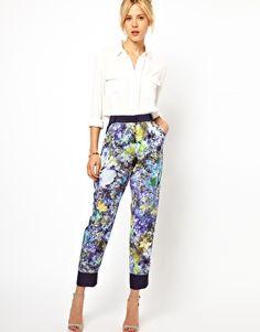 Vergrößern ASOS – Hose mit zartem Blumenmuster