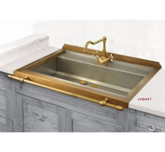 Like the combination of stainless and brass finishes on sink. Prefer a double bowl style though. Collezione lavelli per cucina - Restart srl Firenze