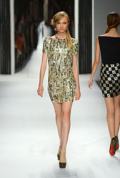 Pictures and Review of Jenny Packham Spring Summer New York Fashion Week Runway Show