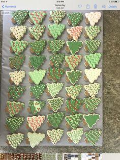 My Christmas tree sugar cookies Christmas Tree Cookies, Christmas Sweets, Christmas Goodies, Holiday Cookies, Christmas Baking, Summer Cookies, Valentine Cookies, Easter Cookies, Birthday Cookies