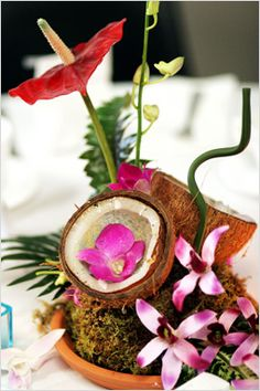 tropical Flower Arrangements Centerpieces | Latest Wedding Trends - HOT New Wedding Table Centrepiece Ideas