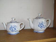 "Arabia, ""Suomen kukka"" Teapot, Finland, Pots, Porcelain, Blue And White, Pottery, Ceramics, Tableware, Glass"
