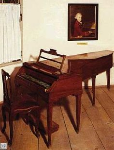 Mozarts' piano, made in 1780 by Anton Walter, Notice the colors of the keys is reversed. This is how a piano keyboard was originally...