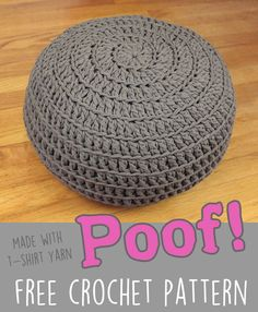 free t shirt yarn zpagetti poof ottoman Crochet Home, Crochet Gifts, Crochet Yarn, Crochet Stitches, Free Crochet, Crochet Pouf Pattern, Crochet Pillow Patterns Free, Crochet Cushions, Crochet Blankets