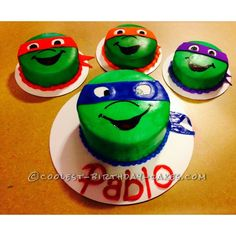 Cool Teenage Mutant Ninja Turtles Cake ... This website is the Pinterest of birthday cakes