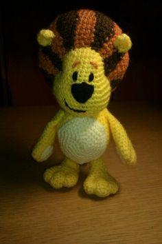 Raa Raa The Noisy Lion Crochet Pattern | Kraftyness