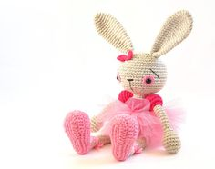 """""""Buenos días!! Pattern bunny by @kessedjian Pattern dress ..."""
