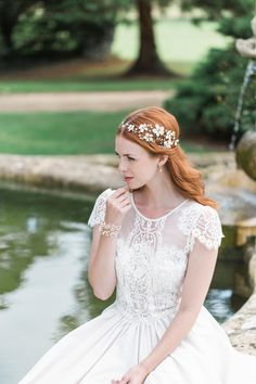 Hermione Harbut, dreamy, ethereal and delicate headpieces for brides. Visit hermioneharbutt.com.
