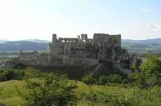 beckov hrad Monument Valley, Mount Rushmore, Milan, Mountains, Castles, Nature, Travel, Naturaleza, Viajes