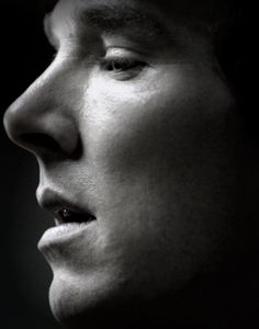 Benedict Timothy Carlton Cumberbatch - is a beautiful man and the most perfect Sherlock imaginable. Benedict Sherlock, Sherlock John, Watch Sherlock, Sherlock Holmes Bbc, Benedict Cumberbatch Sherlock, Beautiful Men, Beautiful People, Molly Hooper, Headshot Photography