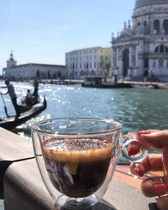 Image about coffee in Paradise Places X by Antonia Nisip Coffee And Books, I Love Coffee, My Coffee, Coffee Girl, Coffee Travel, Good Morning Coffee, Coffee Break, Coffee Cafe, Coffee Shop