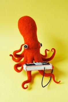 Octopus vs Squid by Hine Mizushima, via Behance