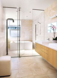 30 Serene Bathrooms with Limestone Accents | LuxeSource | Luxe Magazine - The Luxury Home Redefined