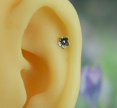 sterling silver cartilage earring,cartilage piercing,cartilage stud, cartilage ring by sayukeko on Etsy https://www.etsy.com/listing/220330619/sterling-silver-cartilage