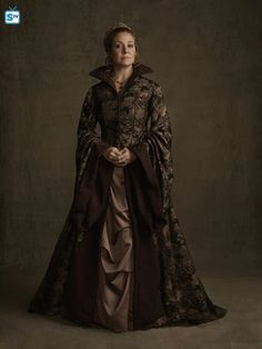 Megan Follows (Queen Catherine) #ReignSeason3