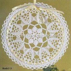 crochet lace doily patterns 300x298 Free Rounded Crochet Doily Pattern