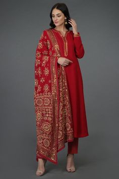 A Global Luxury Design House reinterpreting Indian heritage threads for the modern, discerning consumer - Crimson Red- Beige Hand Embroidered Phulkari Suit Source by ronjaogl - Pakistani Dress Design, Pakistani Dresses, Indian Dresses, Indian Outfits, Phulkari Suit, Hippy Chic, Indian Designer Suits, Kurta Designs Women, Dress Indian Style