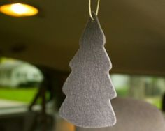 How To Make DIY Car Air Fresheners With Essential Oils - great idea to help you stay awake during long trips (Peppermint), or when you pick up sweaty kids from soccer game (Lemon)!  Love this idea!!