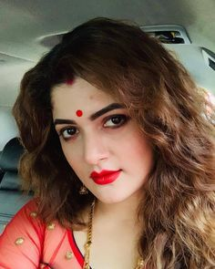 Srabanti Chatterjee (born 13 August is an Indian actress who appears in Bengali languagefilms. Srabanti primarily works in cinema of West Bengal, based in Kolkata. Beautiful Bollywood Actress, Beautiful Indian Actress, Pretty Babe, Pretty Woman, India Beauty, Asian Beauty, Indian Women Painting, Beautiful Heroine, Indian Beauty Saree
