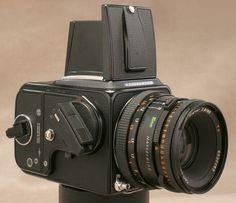 Black Hasselblad 500 CM Medium Format SLR Film Camera with 80mm Lens A12