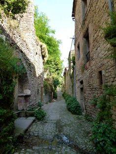 Cordes-sur-Ciel: Rue Chaude à Cordes-sur-Ciel - France-Voyage.com