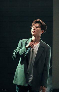 Biasa taken by ira Kim Hanbin Ikon, Chanwoo Ikon, Ikon Kpop, Yg Entertainment, Ringa Linga, Ikon Leader, Ikon Debut, Ikon Wallpaper, Double B
