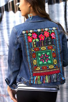Hey, I found this really awesome Etsy listing at https://www.etsy.com/listing/468314354/denim-cropped-jean-jacket-vintage-tribal