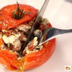 Tomates farcies au chèvre chaud Sausage Appetizers, Finger Food Appetizers, Appetizer Recipes, Healthy Diners, Healthy Menu, Vegetarian Recipes, Healthy Recipes, Fish And Meat, Light Recipes