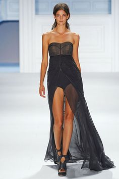 Vera Wang..the video is so much better too see this dress in.