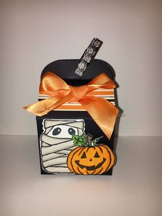 Stampin up Halloween bakers box using Jar of Haunts stamp set and Copic markers