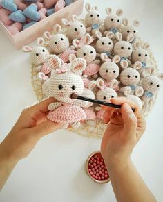 Mesmerizing Crochet an Amigurumi Rabbit Ideas. Lovely Crochet an Amigurumi Rabbit Ideas. Knitted Dolls, Crochet Dolls, Crochet Patterns Amigurumi, Amigurumi Doll, Love Crochet, Knit Crochet, Crochet Rabbit, Easter Crochet, Stuffed Animal Patterns