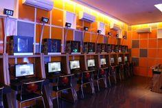 cyber cafe - http://www.socialmediabelle.com #socialmedia #bars #restaurants…