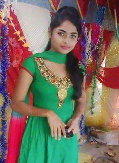 Beautiful Blonde Girl, Beautiful Girl Photo, Beautiful Girl Indian, Beautiful Indian Actress, Beautiful Smile, Beautiful Ladies, Real Indian Girls, Indian Girls Images, Indian Teen
