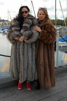 Fox Fur Coat, Fur Coats, Sable Coat, Sheepskin Coat, Fur Fashion, Style Guides, Venus, Mantel, Winter Fashion