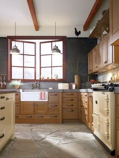 Rustic Kitchen Cabinets in Rift Oak - Kitchen Craft Cabinets Kitchen Craft Cabinets, Kitchen Cabinets Pictures, Kitchen Cabinet Styles, Buy Kitchen, Kitchen Cabinetry, Kitchen Ideas, Kitchen Sink, Kitchen Island, Kitchen Decor