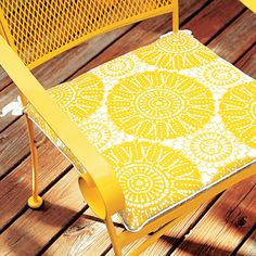 Make your own cushions for your outdoor deck chairs!