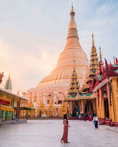 Harking back years, Shwedagon Pagoda is a gilded symbol of Myanmar's long, colourful past, and a can't-miss sight on any trip to the capital. Good thing Sule Shangri-La, Yangon is just a drive from this beauty! Myanmar Travel, Asia Travel, Solo Travel, Wanderlust Travel, Journal Photo, Live Action, Shwedagon Pagoda, Photo Diary, Travel Goals