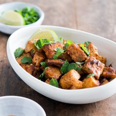 This super easy dish puts pan-seared tofu with spicy Sriracha sauce and cooling herbs for a great flavor combination. Plus, it only takes 20 minutes. Sriracha Recipes, Mint Recipes, Spicy Recipes, Asian Recipes, Cooking Recipes, Healthy Recipes, Sriracha Sauce, Simple Tofu Recipes, Healthy Meals